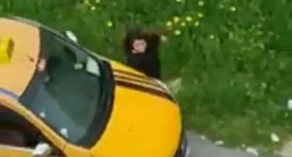 Mersin'de Taksiyle Kız Kardeşine Çarpan Sürücü Gözaltına Alındı
