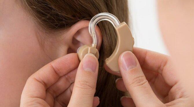 MHP'li Aycan: Kulak arkası cihaz ücretinin tamamını SGK karşılasın