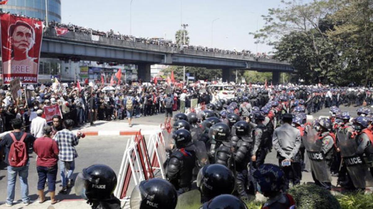 Myanmar'daki askeri darbe karşıtı gösterilerde en az 138 kişi öldü