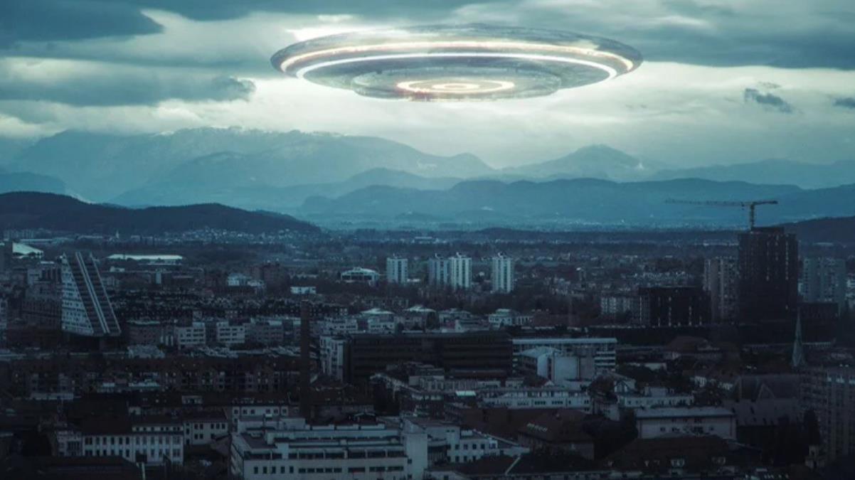 NASA Başkanı'ndan ses getirecek açıklama: UFO gören pilotlarla görüştüm, radarları bu nesneye kilitleniyor