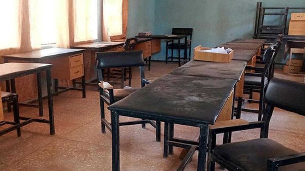 Nijerya'da silahlı saldırganlar yüzlerce öğrenciyi kaçırdı