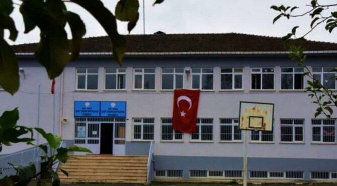 Ordu'daki bir okulda 4 öğretmen 6 öğrencide mutasyonlu virüs tespit edildi