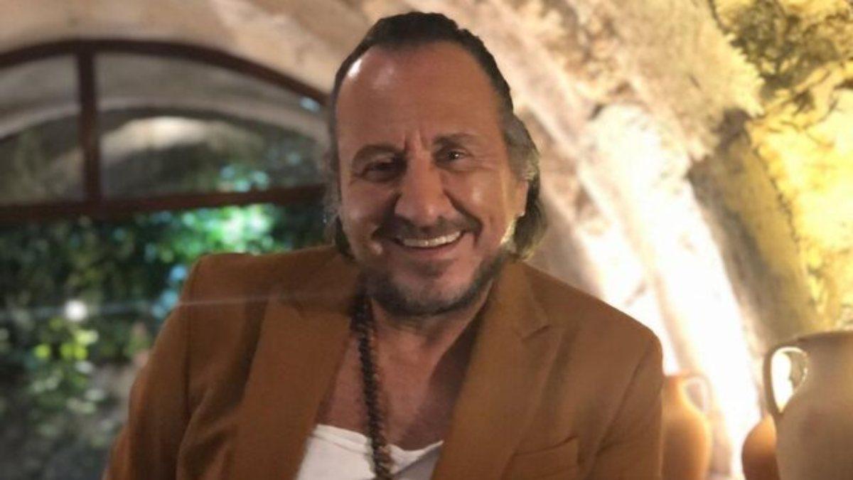 Özgür Ozan'ın yeni tarzı beğeni topladı