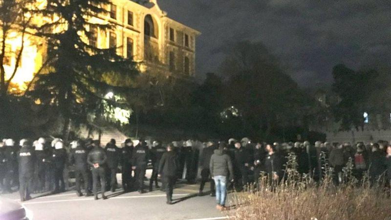 Polis Boğaziçi Üniversitesine Girdi: Öğrencilere Müdahale Ediliyor