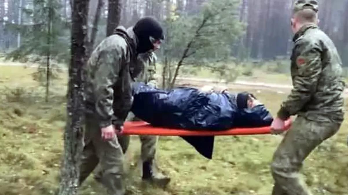 Polonya, ölmek üzere olan Suriyeli mültecileri döve döve Belarus'a itti