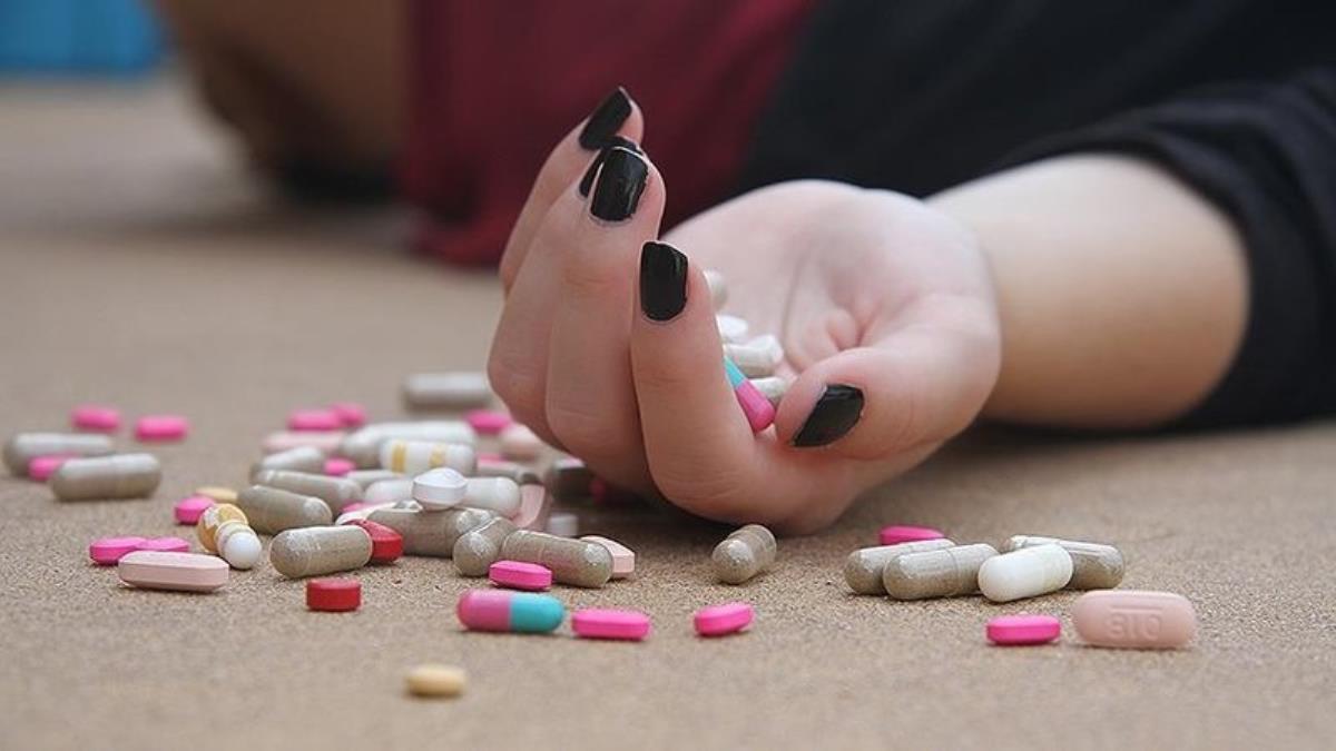 Psikologdan tüyler ürperten itiraf! 100'den fazla hastasına intihar ilacı vermiş