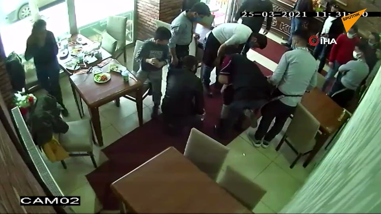 Restoranda Boğazına Et Kaçan Çocuğu İşyeri Sahibinin Müdahalesi Kurtardı
