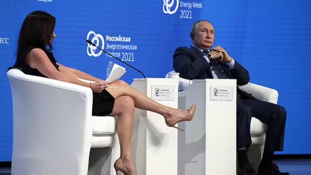 Rus televizyonundan Putin'in karşısına oturan ABD'li gazeteciye tepki: Bacaklarıyla ne yapıyor?