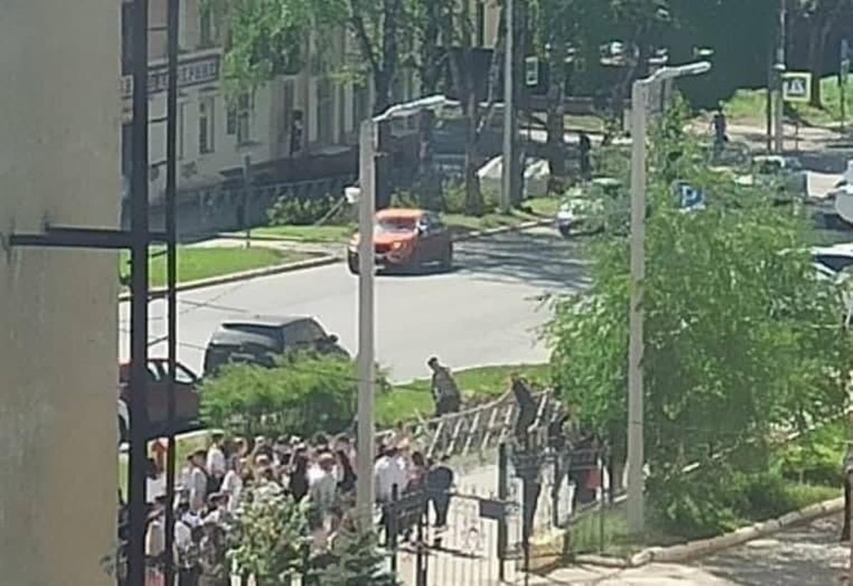 Rusya'da yine bir okul saldırısı: Öğretmeninin boynunu kesti