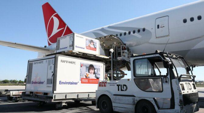 Sağlık Bakanlığı duyurdu: Aşılar bu sabah Türkiye'ye geldi