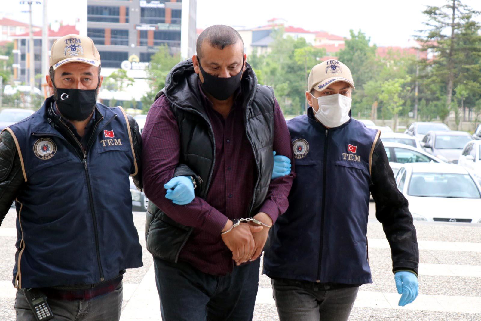 Şaka Gibi! Interpol'ün Aradığı Katliamcı IŞİD'liye 2 Ay Ev Hapsi Cezası