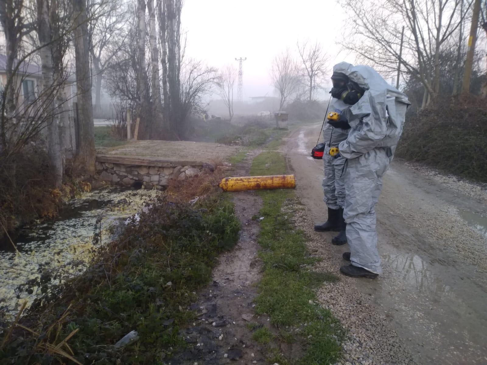 Sakarya'da Kimyasal Sızıntı Alarmı: 12 Kişi Hastaneye Kaldırıldı