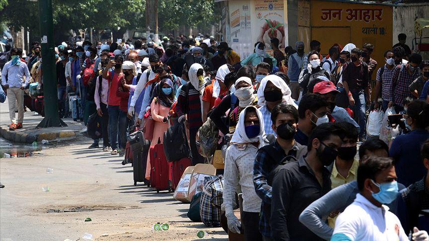 Salgının Perişan Ettiği Hindistan'da Hükümetin Derdi Meclis Binasını Yenilemek!