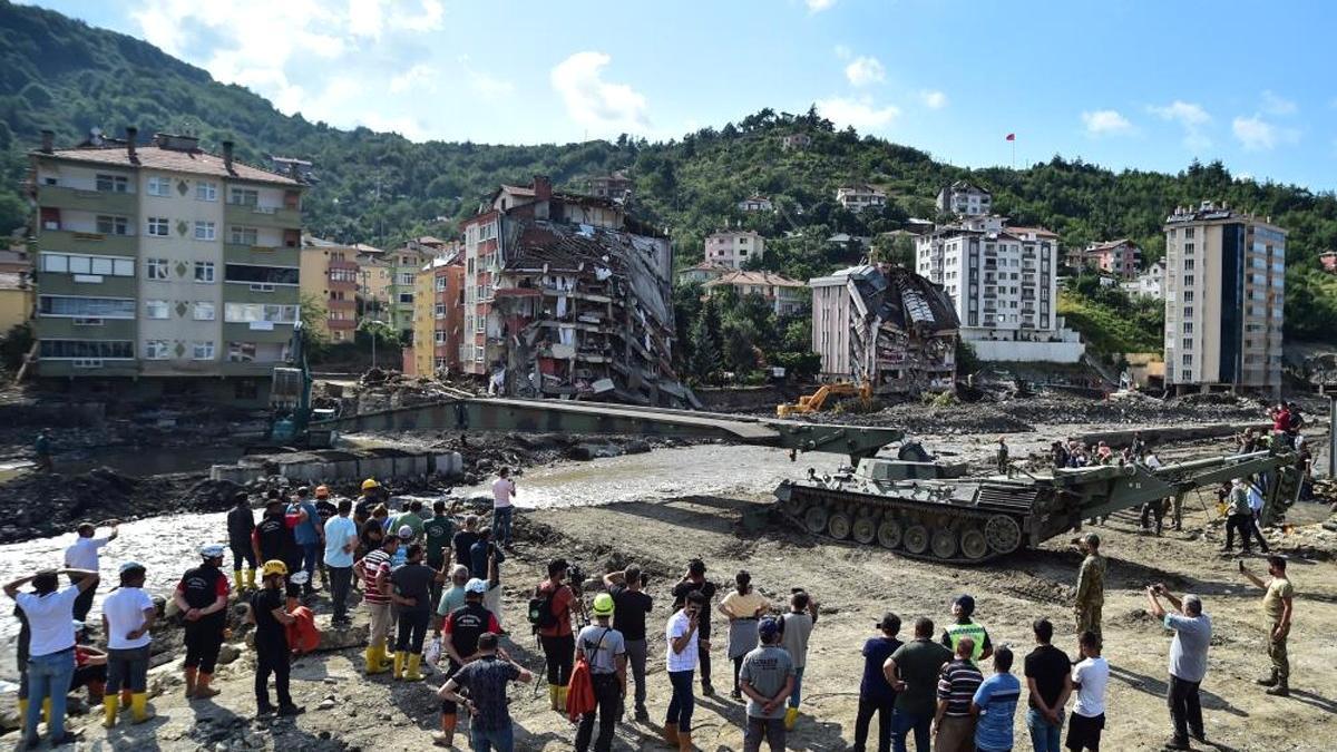 Sel Felaketinde Hayatını Kaybedenlerin Sayısı 64'e Yükseldi...
