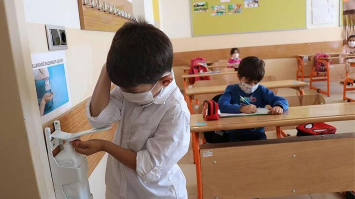 Semptom göstermeyen temaslı öğrenci, 5'inci günden sonra okula devam edebilecek