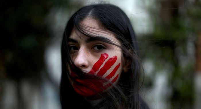 'Şiddet Gören Kadınlara Avukat Desteği' Önerisi AKP ve MHP'lilerin Oylarıyla Reddedildi