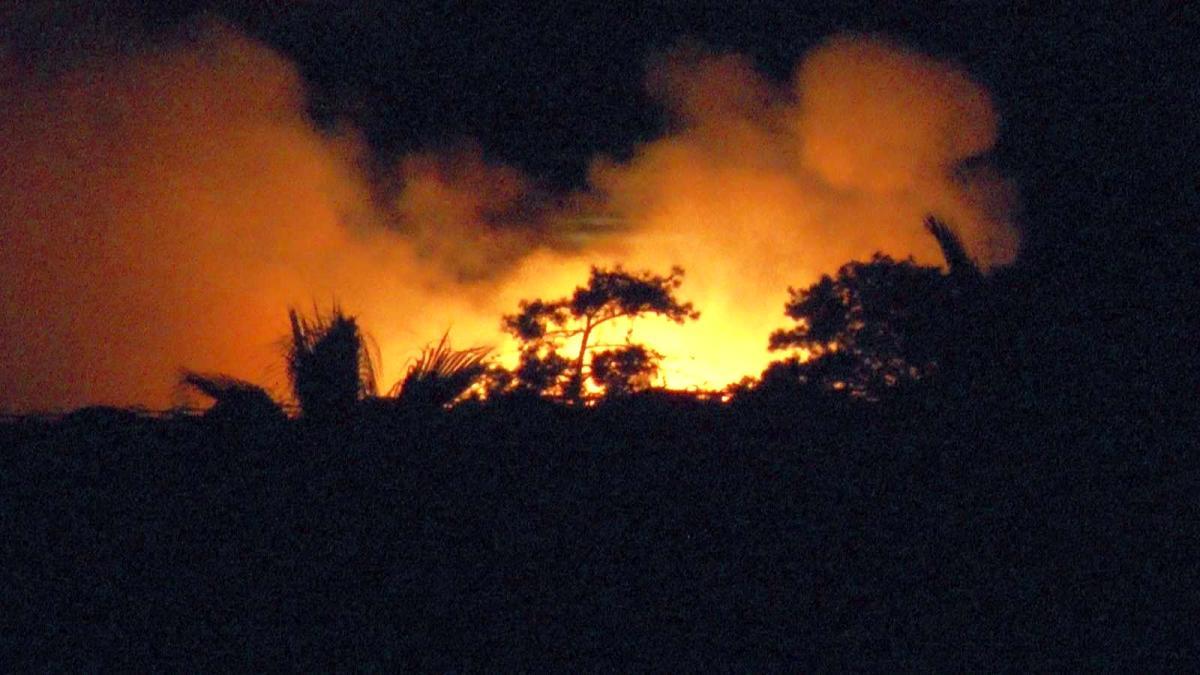 Son dakika 3. sayfa: 5 yıldızlı otelin yakıt tankı patladı, saatler süren yangın güçlükle kontrol altına alındı
