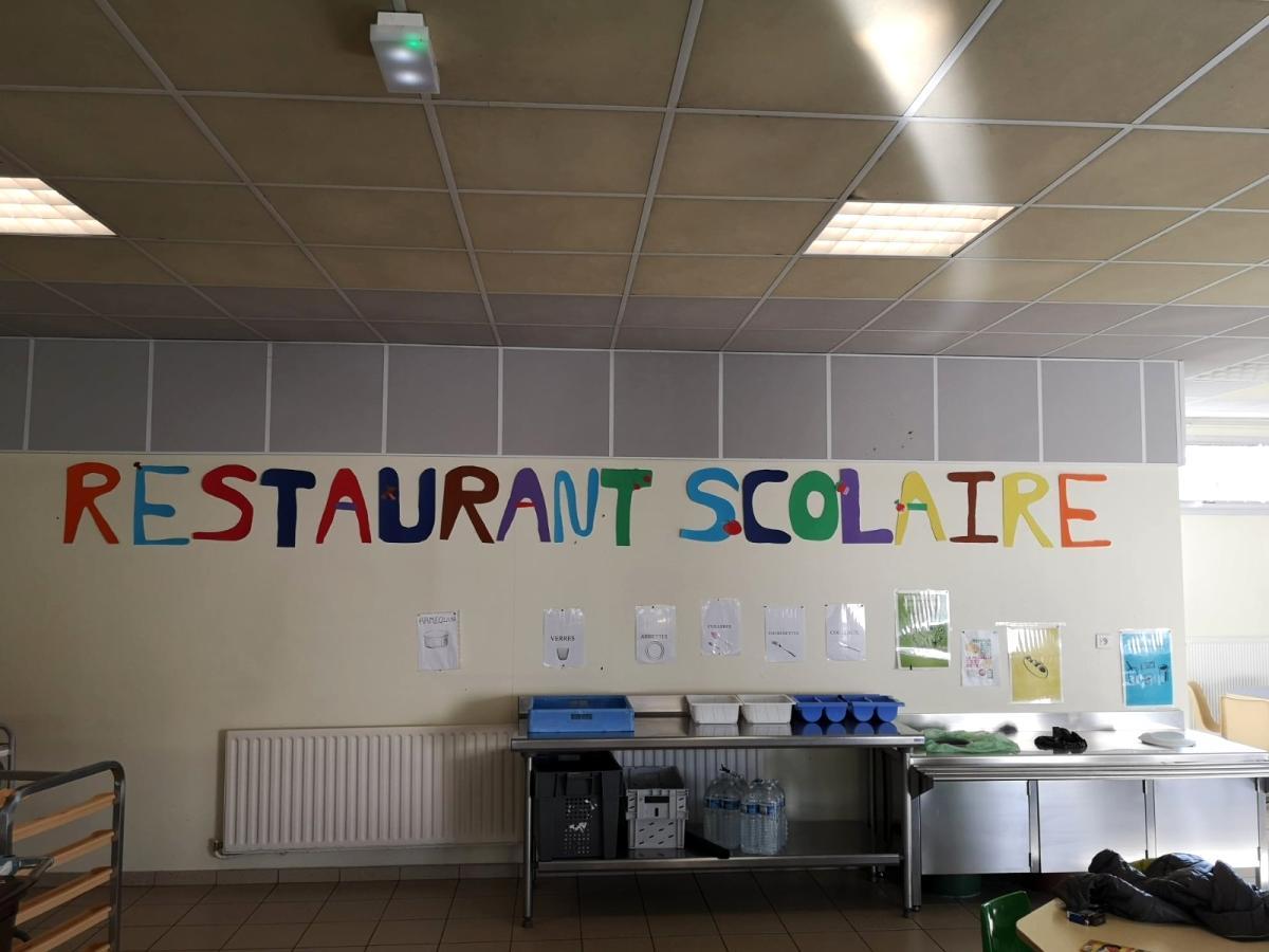 Son dakika haber Fransa'da yemekhane ücreti ödenmeyen 7 yaşındaki çocuk zabıtayla eve gönderildi
