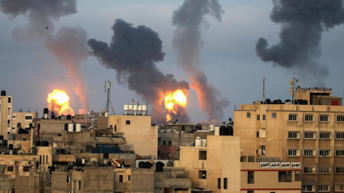 Son Dakika! İsrail, Gazze'de Çalışma ile Sosyal Kalkınma bakanlıklarının bulunduğu iki binayı bombaladı