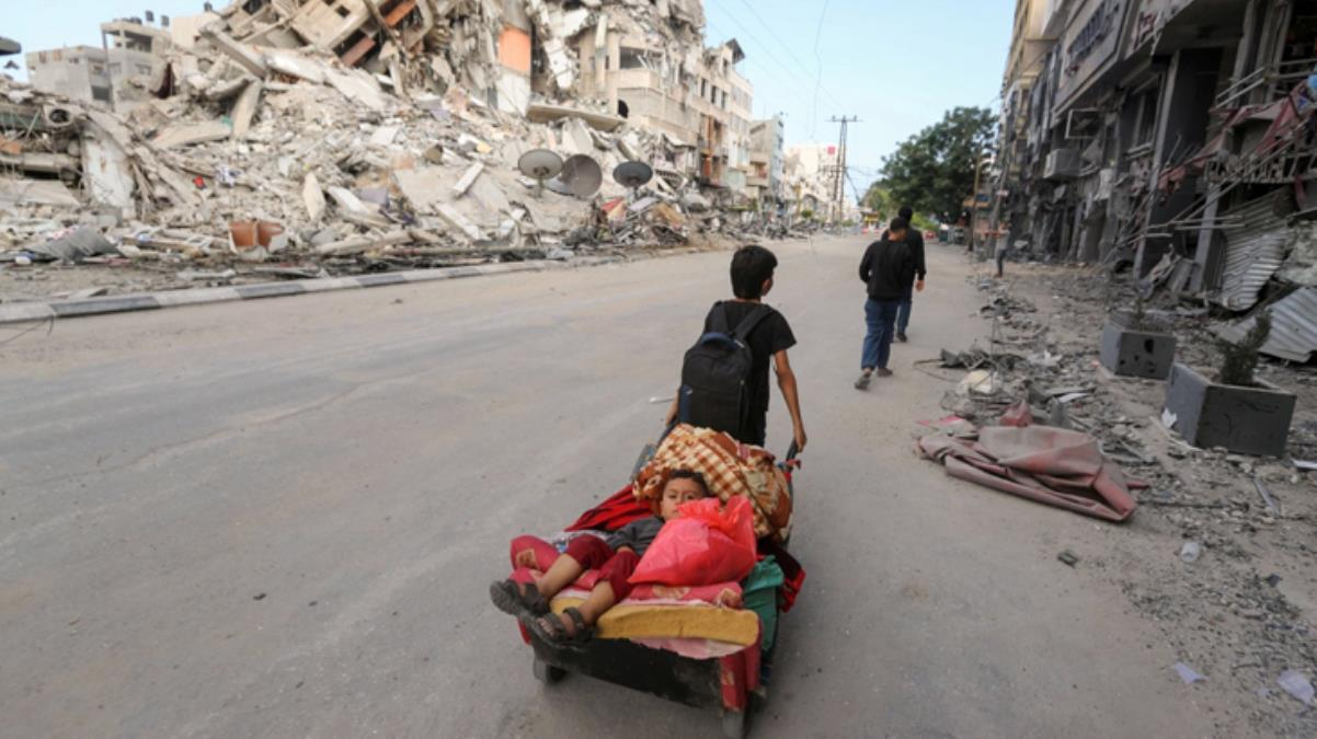Son Dakika: İsrail'in Gazze'ye saldırıları sonucu en az 75 bin Filistinli yerinden edildi