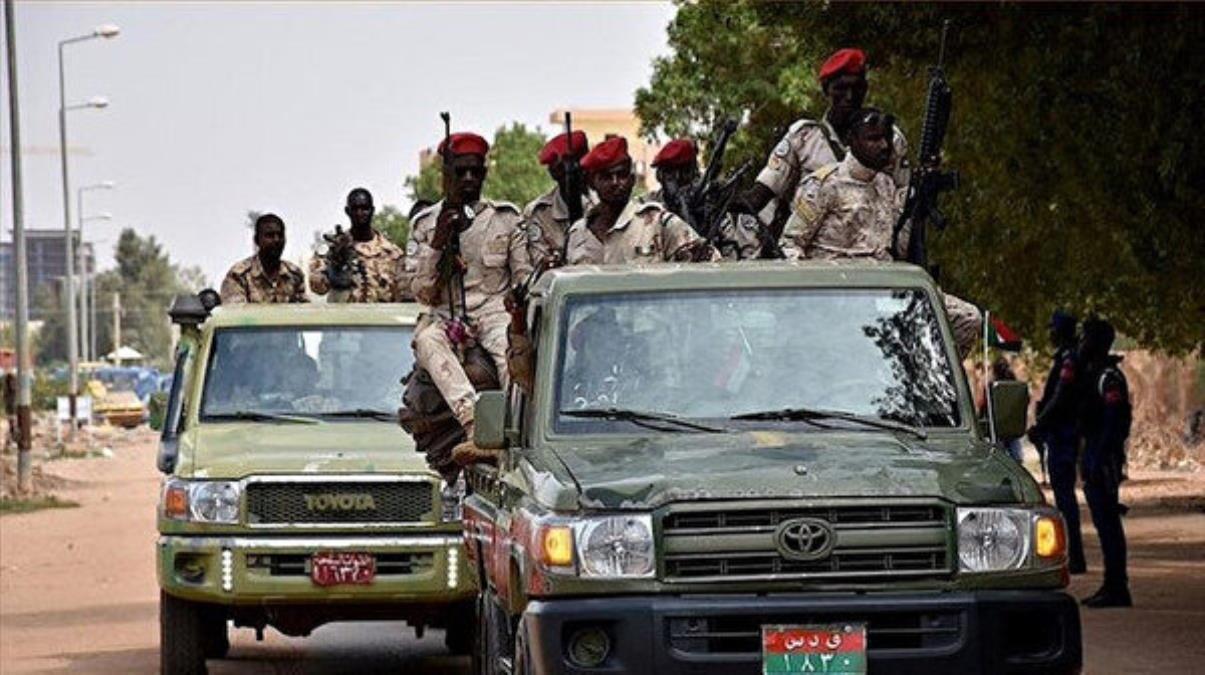 Son Dakika! Sudan'da hükümet feshedildi, ülke genelinde olağanüstü hal ilan edildi