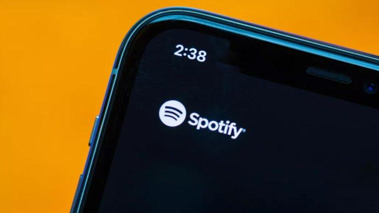 Spotify'dan Apple'a büyük çalım