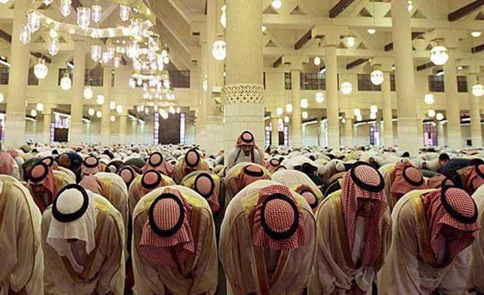 Suudi Arabistan'dan Teravih Namazına Korona Ayarı: 20 Yerine 10 Rekat Kılınacak