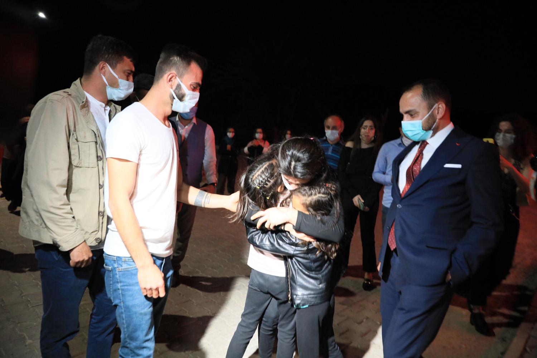 Tahliye Edilen Melek İpek'ten 'Kardeşlerine': 'Korkmayın, Başınıza Gelenden Utanmayın, Anlatın'