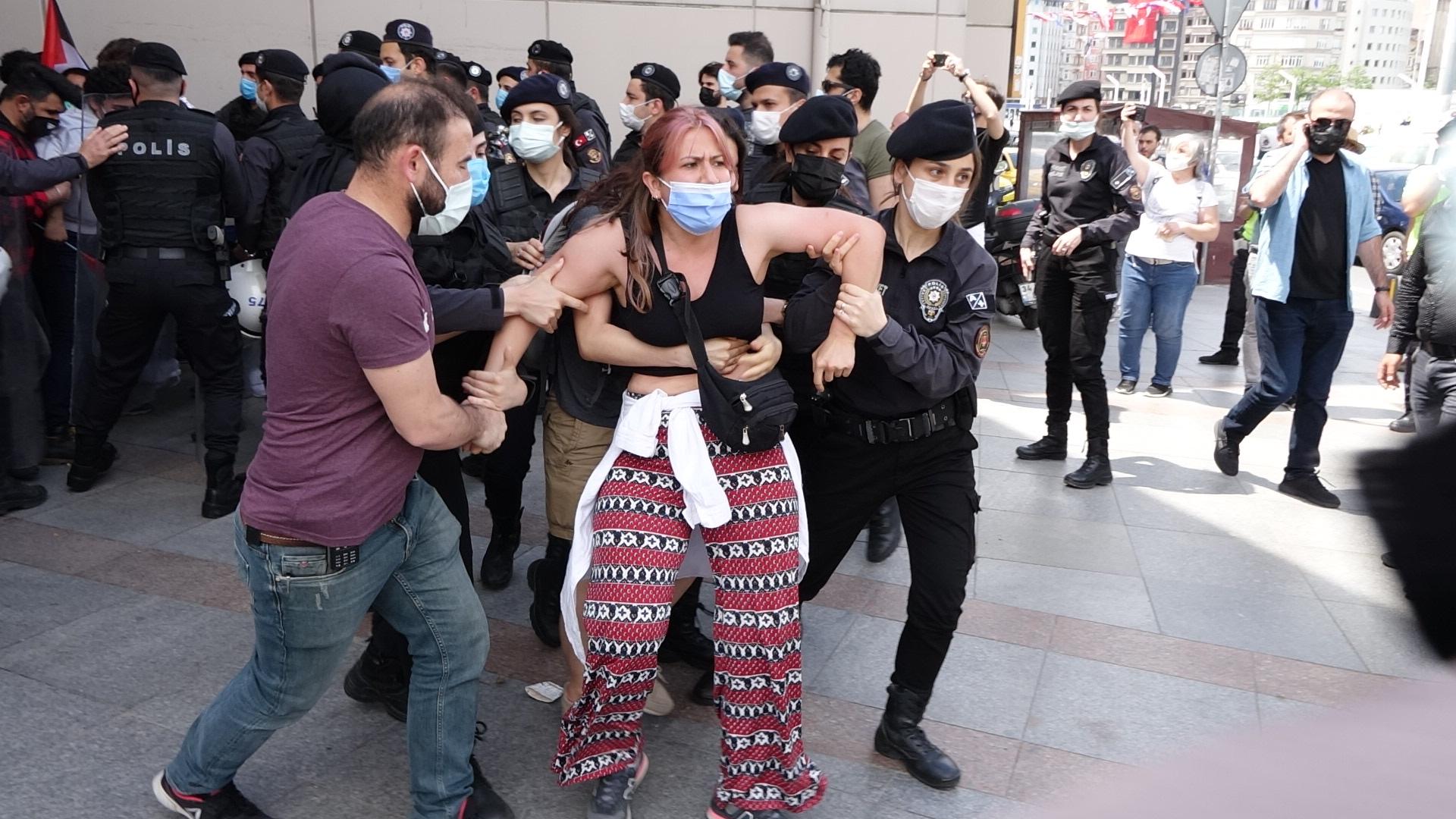Taksim'deki İsrail Protestosunda 15 Gözaltı