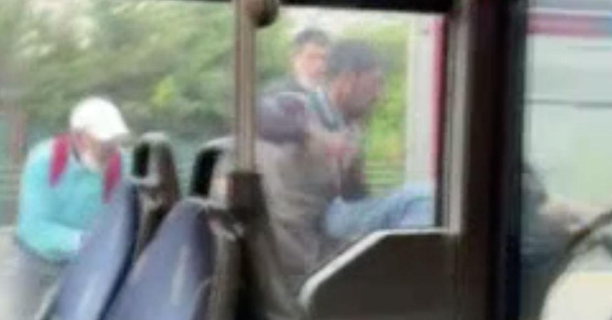 Tekme ve Yumruklar Havada Uçuştu! Metrobüste Yolcular Arasında Kavga