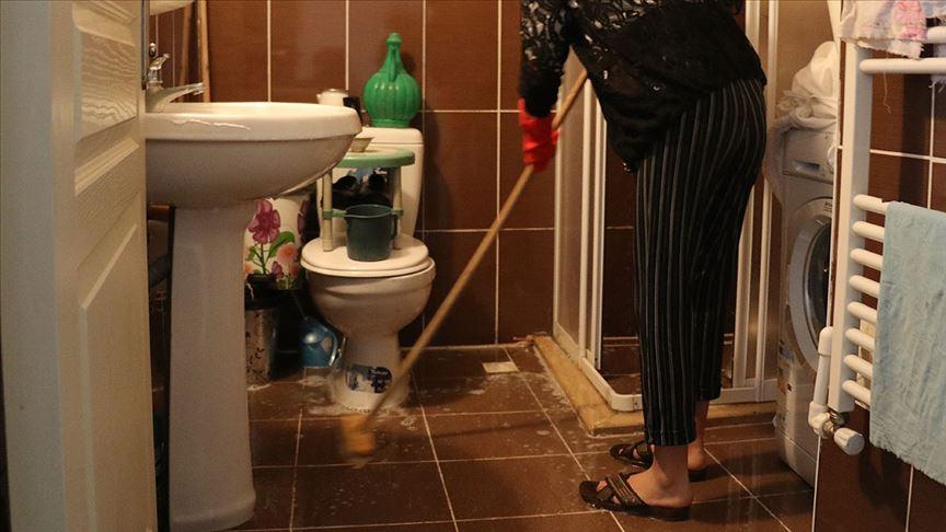'Temizlik Hastası' Eşe Boşanma Davası: 'Kendi Evimde Sığıntı Muamelesi Görüyorum'