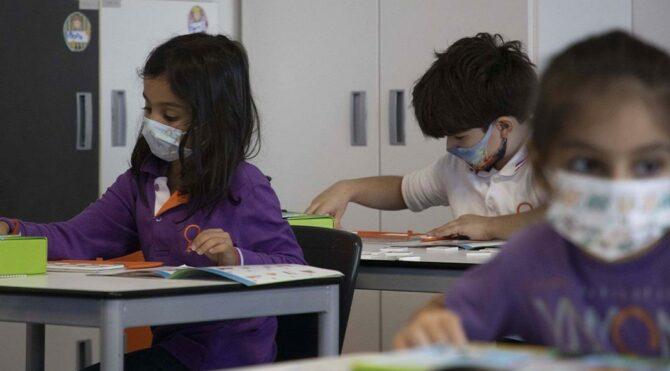 Toplum Bilimleri Kurulu üyesi İlhan cevapladı: Okullar ne zaman açılmalı?