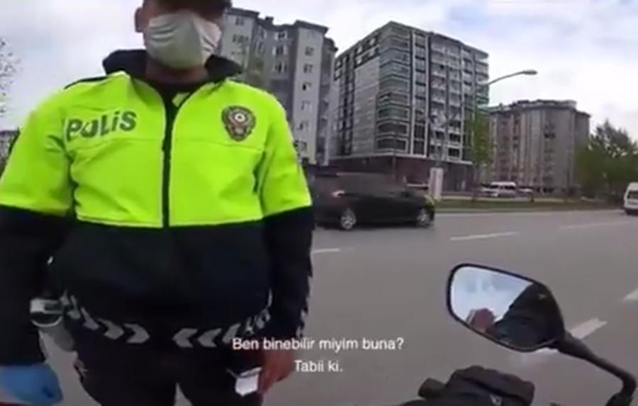 Trafik Polisi ile Vatandaş Arasında Muhteşem Diyalog: 'Binebilir miyim? Hakkını Helal Et'