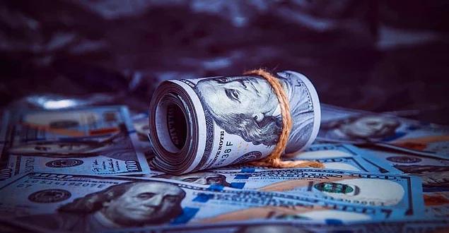 Tüm Zamanların Rekor Değer Kaybı: Dolar, Türk Lirası Karşısında 7.47'yi Aştı