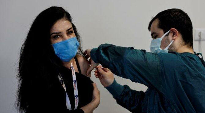 Türkiye'de kullanılan Sinovac aşısı için dikkat çeken karar