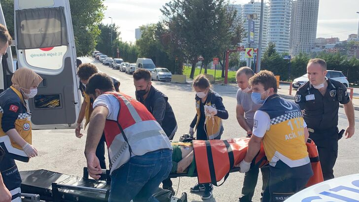 Üsküdar Ünalan Metro İstasyonu'nda Metro Raylarına Atlayan Kişi Ağır Yaralandı