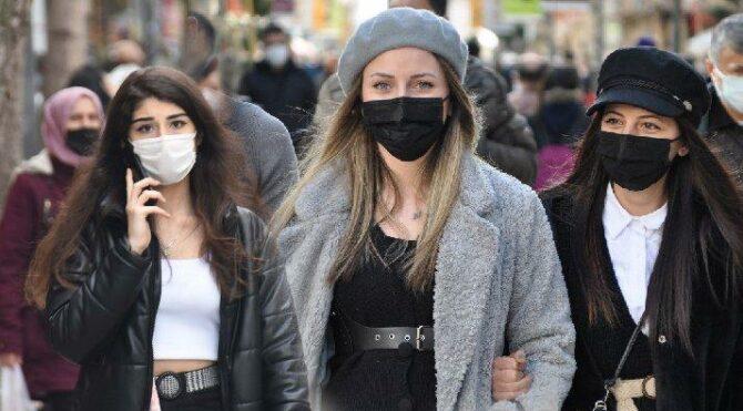 Uzman isim tarih verdi: Maske zorunluluğu kalkabilir