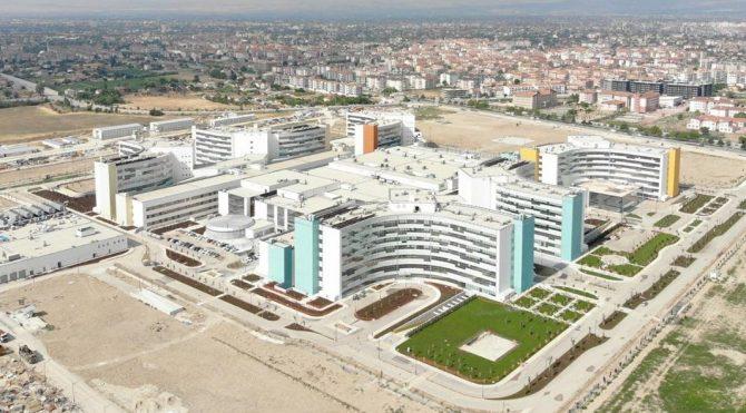 Vakaların arttığı Konya'da Şehir Hastanesi hasta kabulüne başlıyor