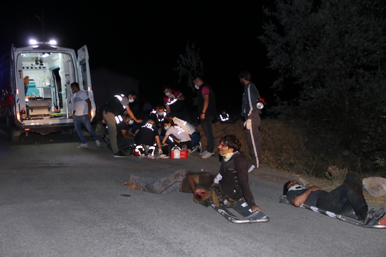 Van'da Göçmenleri Taşıyan Minibüs Devrildi: 12 Ölü, 20 Yaralı
