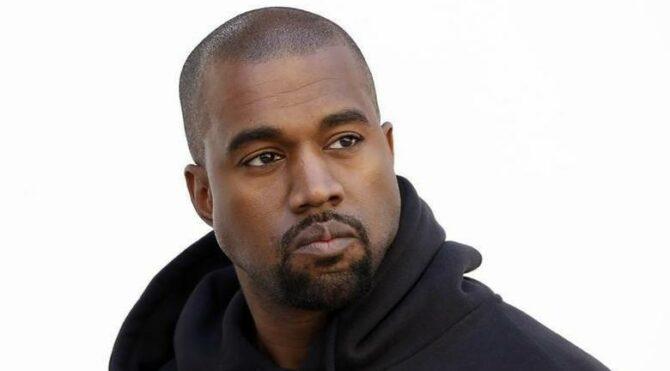 Walmart, Kanye West'i logosunu kopyalamakla suçluyor