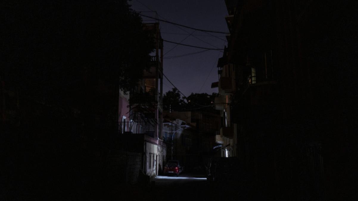Yakıt krizi nedeniyle karanlığa gömülen Lübnan'da ordu devreye girdi! Ülkede yalnızca 3 günlük elektrik kaldı