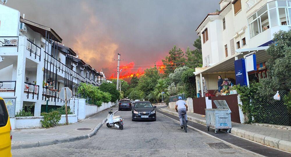 Yangından Etkilenen Yerler İçin Karar: Beyanname ve Vergi Ödeme Süreleri Ertelendi