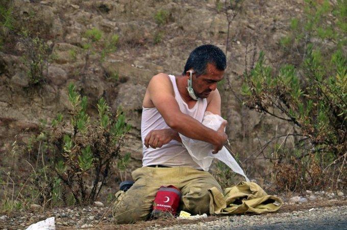 Yaralanan Orman İşçisi Kolunu Sarıp Görevine Döndü