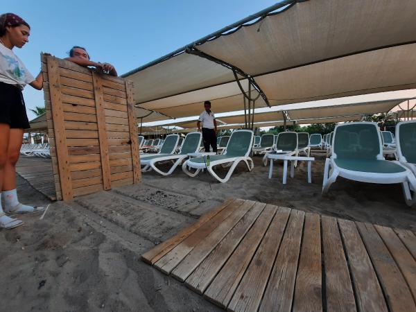 Yavru Caretta Carettalar Otelin Sahile Koyduğu Yürüme Bandı Yüzünden Can Verdi