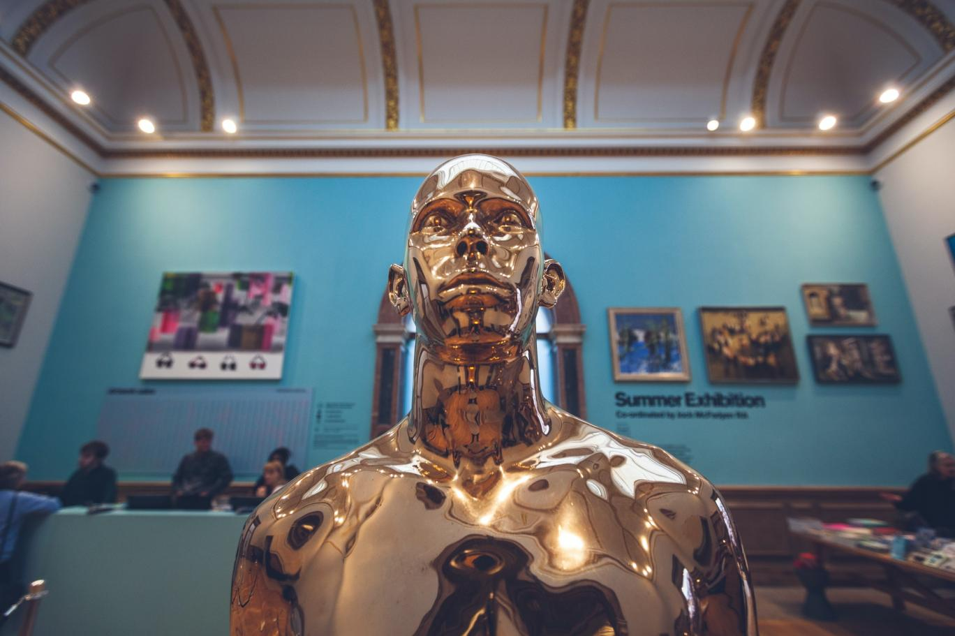 Yeni Black Mirror Bölümü Microsoft'tan: Kaybettiğimiz Yakınlarımızı Chat Robotu Olarak Diriltme Patenti Alındı