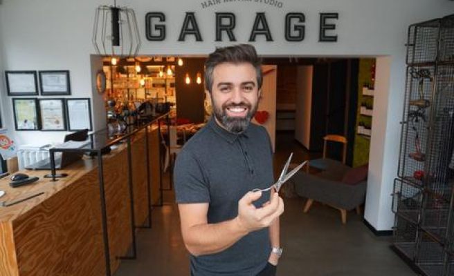 Garage Hair Repair Studio Mart 2018 Reklamı