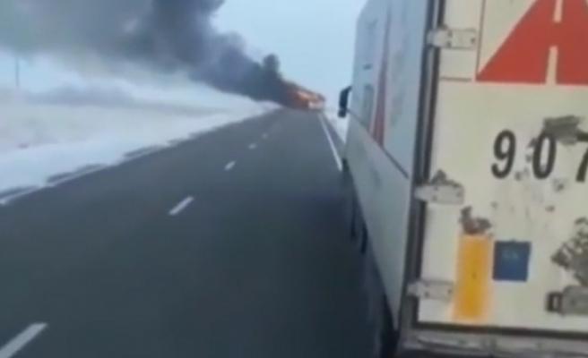 Kazakistanda otobüs yandı: 52 ölü