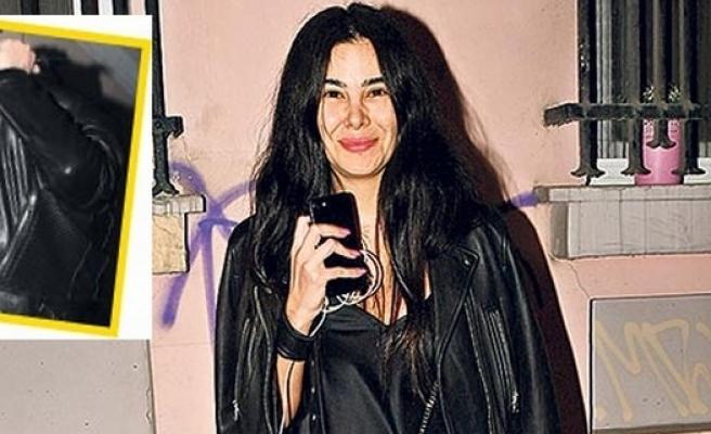 Asena Atalay yeni sevgilisiyle görüntülendi