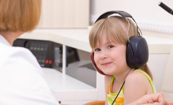Çocuğunuzdaki işitme kaybını anlamanın 7 altın kuralı (Çocuklarda işitme kaybı nasıl anlaşılır?)