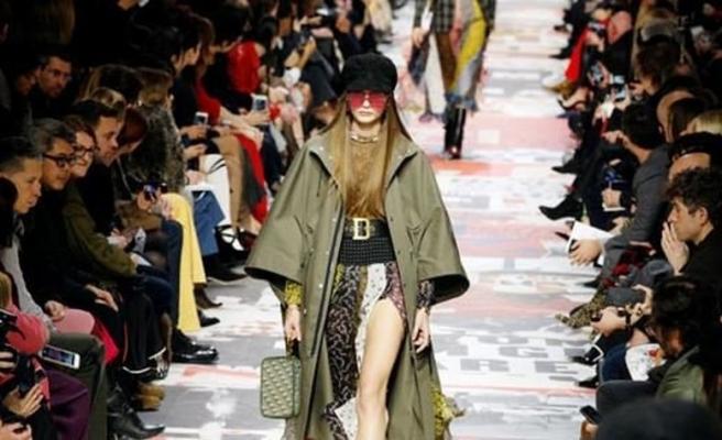 Dior feminist akımı podyuma taşıdı